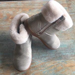Kids UGG Jorie ll boot, metallic, sz 11
